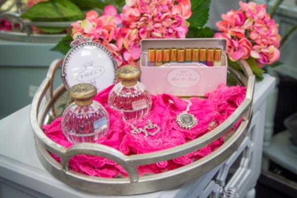 perfume-slide